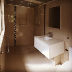 Ensuite all finished off apart from the frameless glass shower screen. Our tiler Danny Vitca did an amazing job as he always does finishing this small renovation off nicely