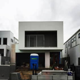 This new build at Helensvale for Small Lot Homes is coming along nicely. Cladding all finished now ready for the painters and tilers.